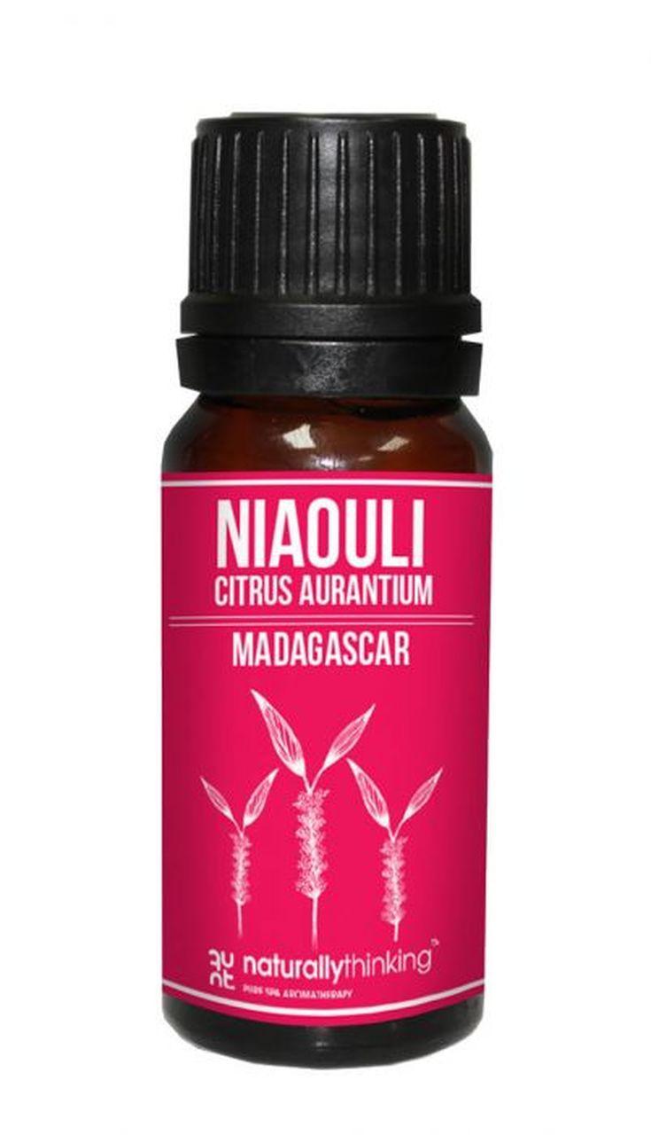 Niaouli Essential Oil / 綠花白千層精油的功效:有助頭腦清醒,集中注意力/抗菌/預防感冒及上呼吸道感染/增強免疫力,促進傷口癒合。Quality Essential Oil from Naturallythinking.