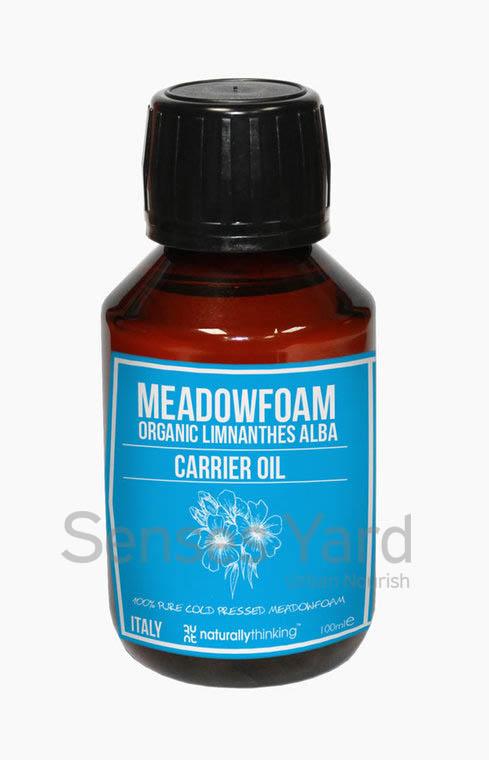 Meadowfoam Carrier Oil / 白芒花籽基底油具有抗氧化物,有助滋潤修補肌膚,恢復活力/天然的防曬功效,能阻擋紫外線的傷害,常見於抗衰老產品成份/具有長效的保存時間。Quality Carrier Oil from Naturallythinking.